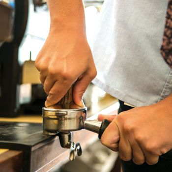 how hard to tamp espresso